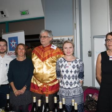 4 décembre 2015 - stand Russie : Boris, Dimitri, Mila, Catherine.