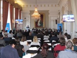 La salle de conférence du palais