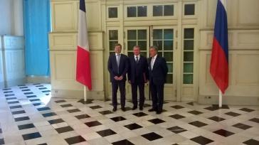 Le ministre du consul général de Russie à Marseille et de Jean Roatta représentant la ville de Marseille